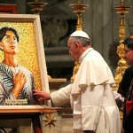 Pope_Francis_takes_a_moment_to_pray_before_the_mosaic_of_St_Pedro_Calungsod_in_St_Peters_Basilica_Nov_21_2013_Credit_Kerri_Lenartowick_CNA_CNA_11_21_13