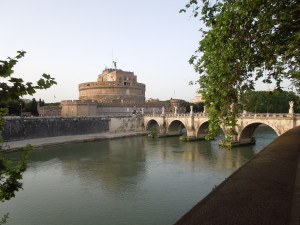 A view of Castel Sant'Angelo from the Tevere River