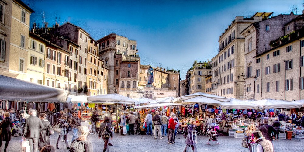 Campo de Fiori's market in the early morning